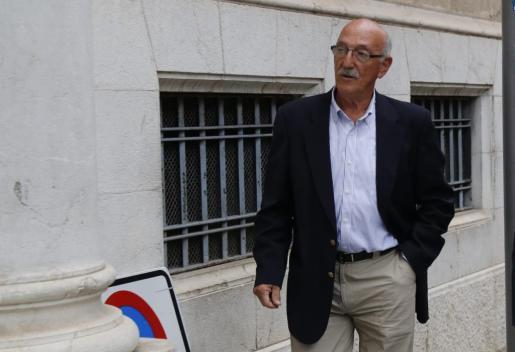 Antonio Cerdà, a su llegada a los juzgados este lunes.