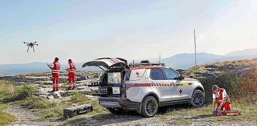Land Rover ha dado apoyo a la Cruz Roja desde 1954.