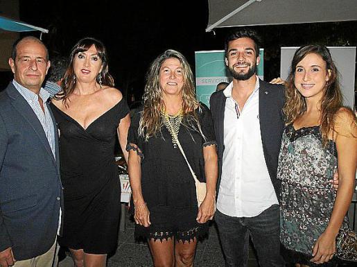 Marc Ponsetí, Paula Fernández, Claudia Suárez Neuhaus, Luis Cayuela y Claudia Castaño.