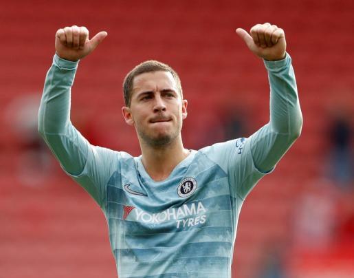 Eden Hazard celebra un gol con la camiseta de Chelsea.