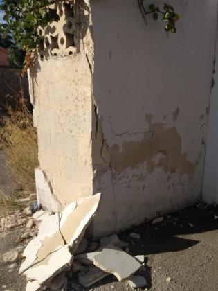 Algunas paredes se han visto gravemente dañadas y los vecinos temen que se caigan.