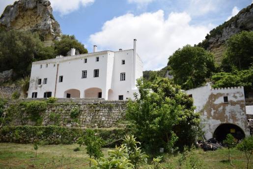 Imagen de la casa rural de S'Aranjassa se ubica en pleno barranco de Algendar.