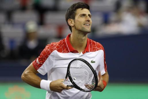 Novak Djokovic celebra su clasificación para la final de Shanghai.