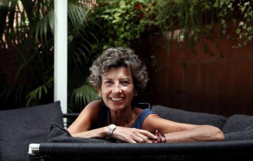 La doctora Elena Barraquer, posa durante una entrevista con Efe en Barcelona.