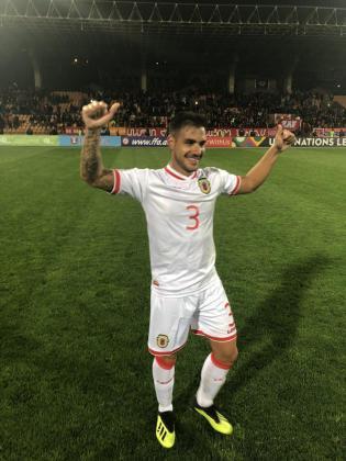 Joseph Luis Chipolina celebra el gol de Gibraltar en Erevan.