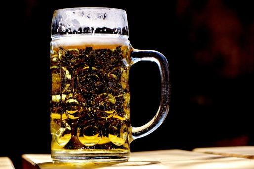 El cambio climático podría hacer que peligrase la producción de cerveza.