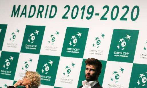 Gerard Pique, durante la rueda de prensa de presentación de la nueva Copa Davis junto a la alcaldesa de Madrid, Manuel Carmena.