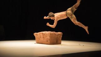Quim Girón moldea el espectáculo 'Fang' en el Teatre Principal de Palma
