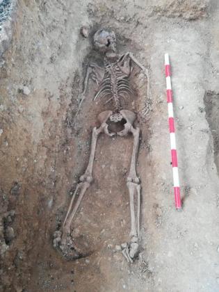 Imagen retuiteada por la consellera Fanny Tur de los restos de la víctima de la represión franquista.