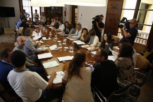 Imagen de archivo de una reunión de la Comisión de impulso del Turismo Sostenible.
