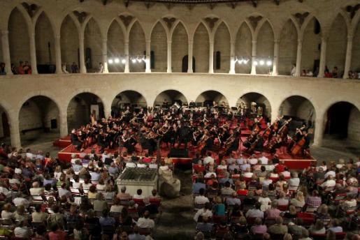Una actuación de la Orquestra Simfónica en el Castell de Bellver.