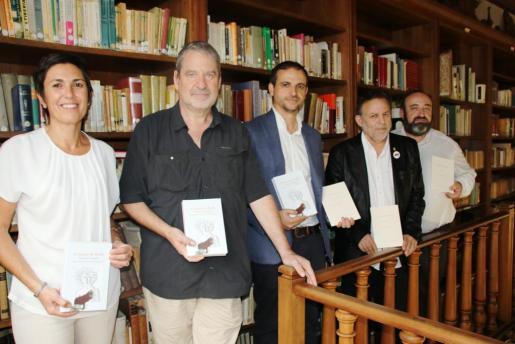 Presentación de las dos obras editadas con la presencia de Francisca Niell, Francesc Puigpelat, Llorenç Carrió, Carles M. Sanuy y Gracià Sánchez.