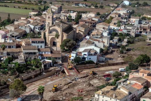 Vista aérea de las tareas de los equipos actuando en Sant Llorenç.