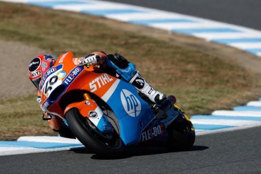 Augusto Fernández traza una de las curvas del circuito de Motegi.