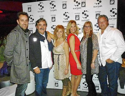 Carlos Castells, Regis López, Silvia Petit, Victoria Maldi, Elena Molina y Bernat Bonnín.