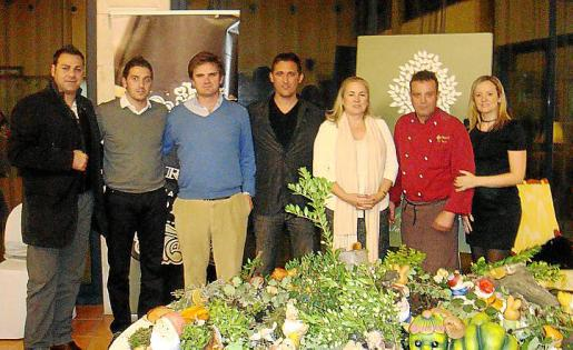 Jaume Cano,Tolo Martorell, Ramón Raventós, Xim, Isabel Socies, Luis González y Susana Romero.
