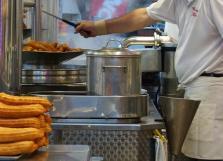 Detenido por matar a golpes a un hombre tras acabar una despedida de soltero en una churrería en Madrid