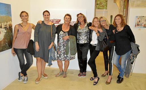 Sara San Martín, Cati Fiol, Antònia Frau, Pilar Cerdà, Marianne Schulz, Pitu Montojo y Nenuchi Rodríguez.