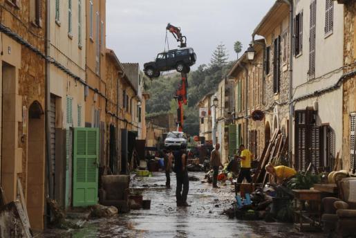 Imagen de una calle de Sant Llorenç tras la riada.