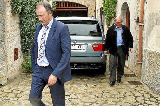 Subirán y Cerdà, durante un registro en el año 2013 en el 'caso Can Domenge'.