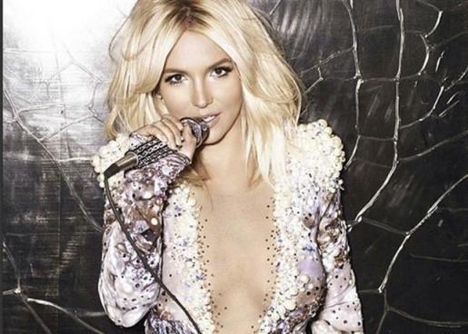 "Britney Spears celebra los 20 años ""Baby One More Time""."