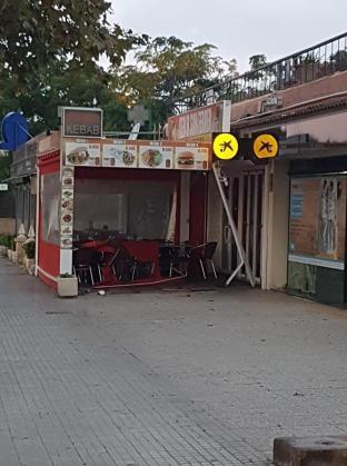 Restaurante de Son Ferrer contra el que se ha estrellado el vehículo.