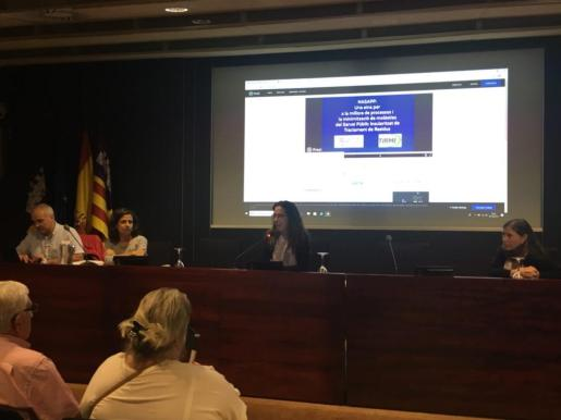 Sandra Espeja durante la presentación de la nueva aplicación.