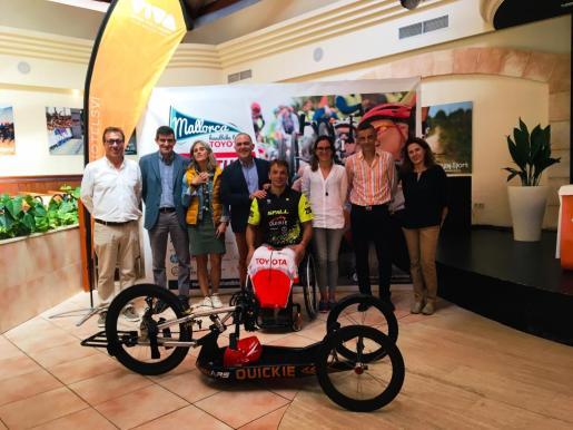 Imagen de la presentación de la Mallorca Handbike Tour, en el hotel Viva Blue.