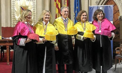 Mª José Viñas, Debora R. Vilaboa, Emilio Martínez-Almoyna, Beatriz R. Vilaboa y Marta Satorres.