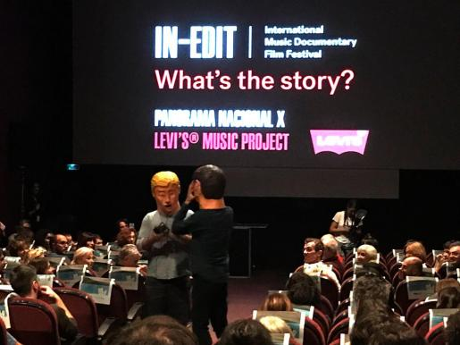 "Un momento de la presentación del documental ""Els ulls s'aturen de créixer"" en Barcelona, dentro del festival In-edit."