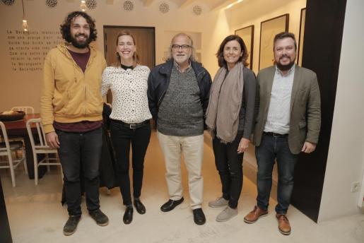 Toni Lluís Reyes, María Tugores, Andreu Manresa, Paula Serra y Joan Carles Martorell, durante la presentación.