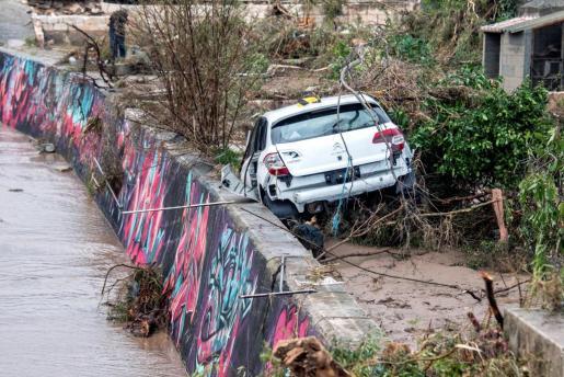 Uno de los vehículos siniestrados en la localidad de Sant Llorenç.