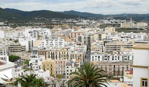 En Eivissa se alquilan muchos pisos a turistas pese a estar prohibido.