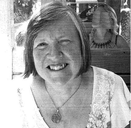 Imagen de Marion Brown, la mujer desaparecida. Mide 1,70 y tiene los ojos azules y el cabello castaño.