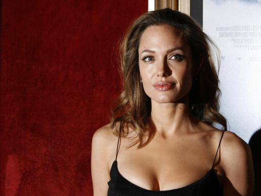 La actriz ocupa el primer puesto como la más guapa de la década.