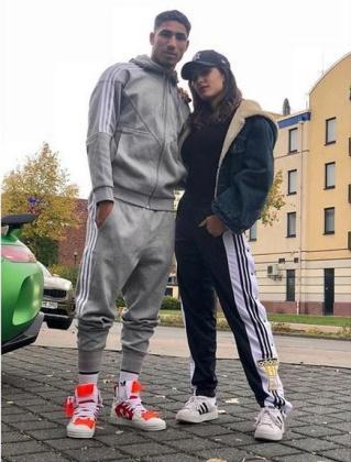 ¿Cuánto mide Hiba Abouk? - Altura - Real height 420