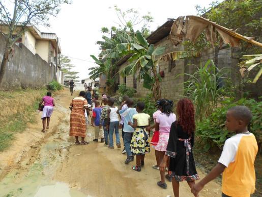 Los centros escolares son objeto de ataques violentos y secuestros en la zona anglófona del país.