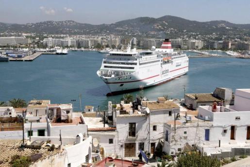 Desde su adquisición por el Grupo Naviera Armas, Trasmediterránea «mantiene una apuesta firme por el mercado de Baleares».