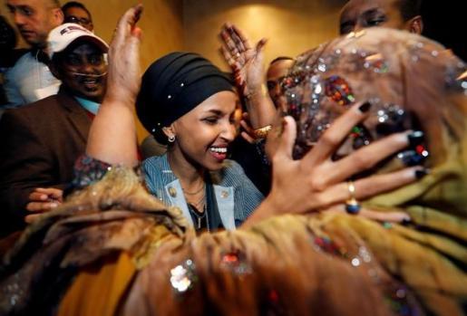 Minnesota y Michigan eligen a las dos primeras congresistas musulmanas en EEUU.