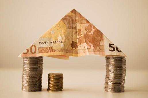 El Gobierno ha anunciado que cambiará la ley para que el impuesto de hipotecas lo paguen los bancos.