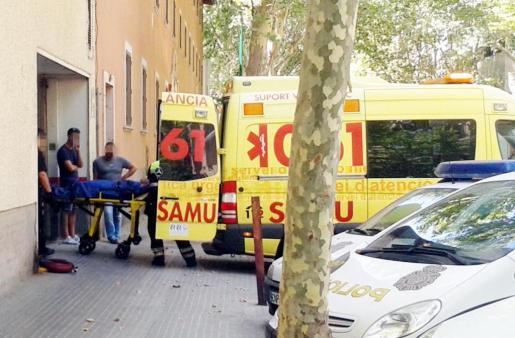 Personal del SAMU-061 atendió al paciente en la Jefatura de la Policía Nacional.