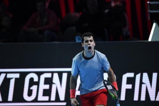 Jaume Munar celebra su victoria ante el estadounidense Frances Tiafoe en las Finales Next Gen de la ATP en Milán.