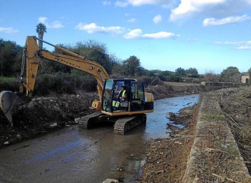 Los trabajos de reconstrucción de los torrentes desbordados requerirán el acceso a fincas privadas lindantes a los cauces.