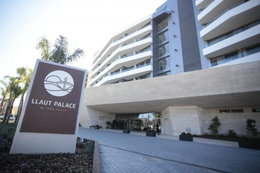 Imagen del hotel Llaut Palace, de cinco estrellas, en Platja de Palma.