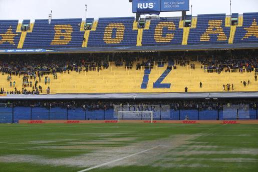 Imagen del estadio de La Bombonera, encharcado por las fuertes lluvias caídas en la ciudad de Buenos Aires.