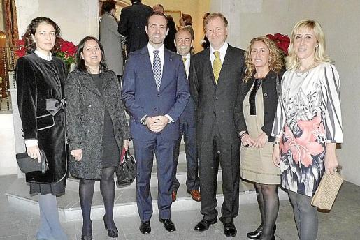 Loles Ripoll, Inma Benito, José Ramón Bauzá, Antonio Gómez, Ramon Socías, Maribel Crespí y Catalina Soler.