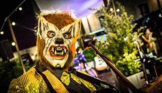 Hombre Lobo Internacional actúa en el Maraca Club