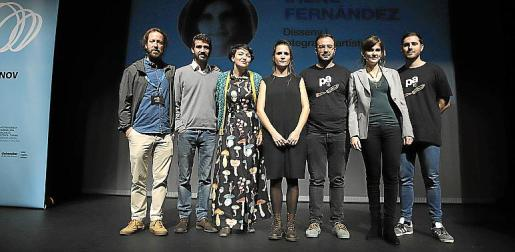 Los organizadores de las jornadas junto varios ponentes.