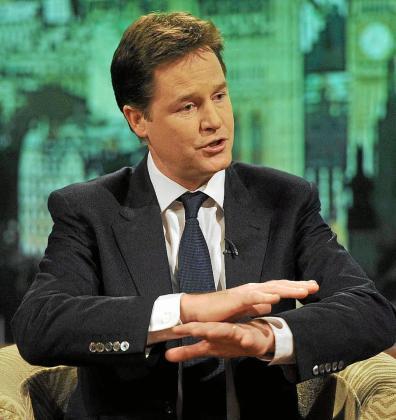 Nick Clegg, 'número dos' del Gobierno británico, respondió ayer al Gobierno de Nicolas Sarkozy.
