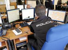 Quejas policiales ante la escasez de medios para proteger a mujeres maltratadas